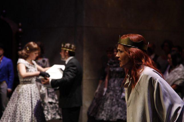 10-scenografi-scenography-goje-rostrup-snehvides_spejl_den_jyske_opera_danish_national_opera_2011