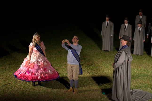 14-scenografi-scenography-goje-rostrup-trylleflojten_slotsopera_2015