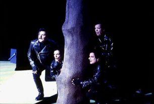 1993_a6_vinden_i_piletraeerne_aarhus_teater_costume_design_kostumedesign_goje_rostrup