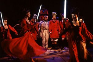 1994_a2_de_lystige_koner_i_windsor_den_jyske_opera_danish_national_opera_kostumedesign_costume_design_goje_rostrup