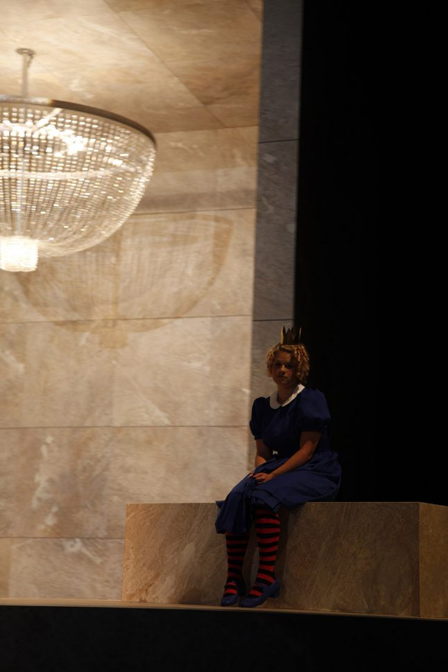 2-scenografi-scenography-goje-rostrup-snehvides_spejl_den_jyske_opera_danish_national_opera_2011