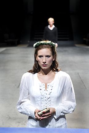 2007_4_hamlet_gladsaxe_ny_teater_kostumedesign_costume_design_goje_rostrup