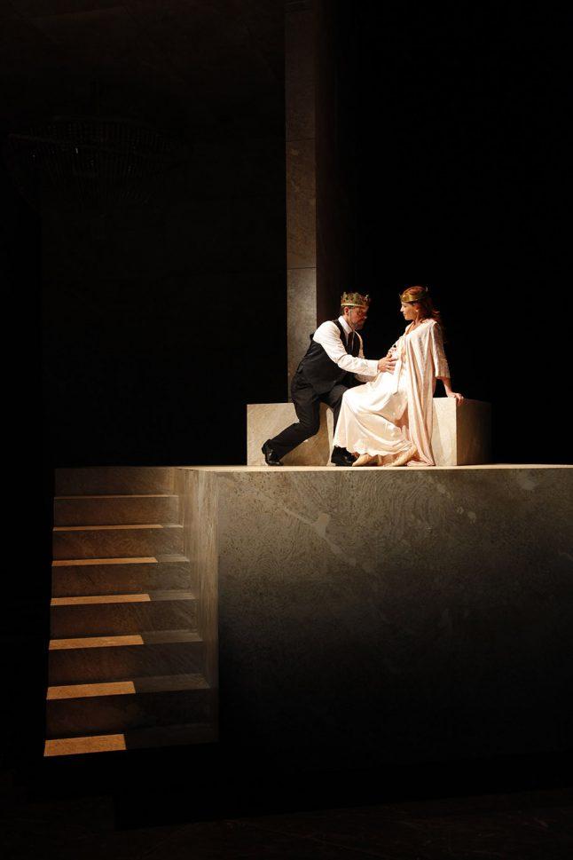 8-scenografi-scenography-goje-rostrup-snehvides_spejl_den_jyske_opera_danish_national_opera_2011