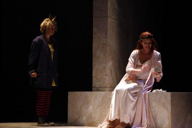 9-scenografi-scenography-goje-rostrup-snehvides_spejl_den_jyske_opera_danish_national_opera_2011