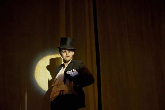 kostumedesign-costume-design-goje-rostrup-cabaret_aalborg_teater_2014_1