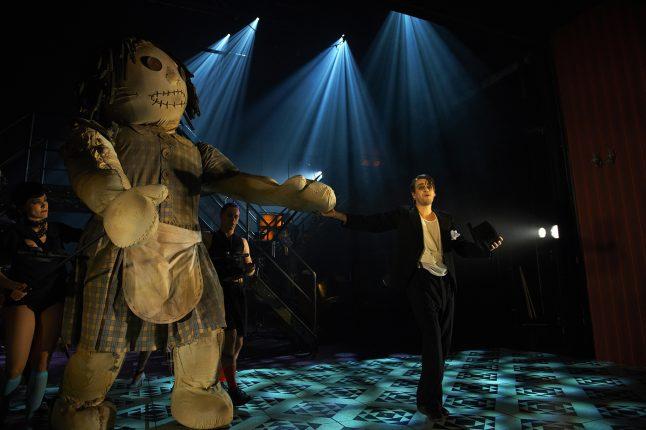 kostumedesign-costume-design-goje-rostrup-cabaret_aalborg_teater_2014_7
