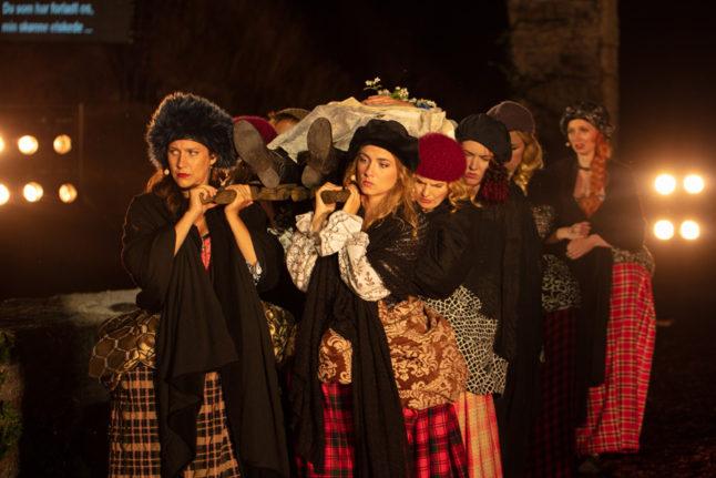 14_costume-design-kostumedesign-goje-rostrup-lucia-di-lammermoor-opera-hedeland_2018