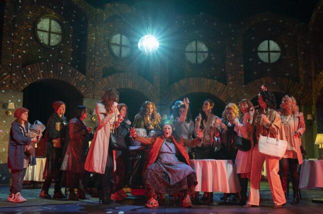 Un Ballo in Maschera 1 Oldenburgisches Staatstheater kostumedesign costume design Goeje Rostrup foto Stephan Walzl